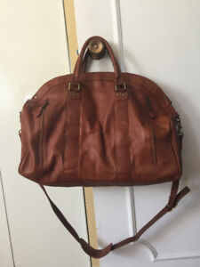 ef0a98e51fd9 Travel Bags In Leather   Kijiji in Greater Montréal. - Buy, Sell ...