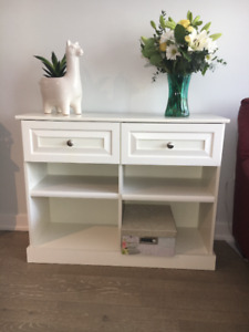 Display hutch with drawers