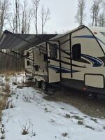 2015 sunset trail 270BH with hitch and battery's