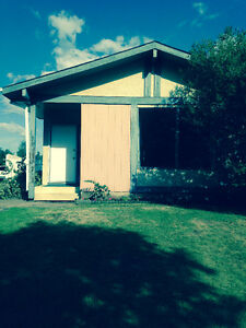 Half Duplex for Rent in Lacombe Park