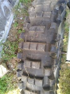HONDA CR500 FRONT AND REAR RIM IN GOOD CONDITION WITH TIRES Windsor Region Ontario image 5