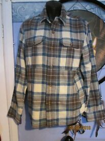 LEVIS BLUE CHECK PATTERNED CASUAL SHIRT SIZE M NEW WITH OUT TAGS