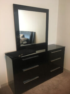 KING SIZE BED DRESSER MIRROR AN NIGHT TABLE $1500