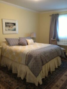 DORVAL\POINTE CLAIRE CHAMBRE A LOUER\ROOM TO RENT