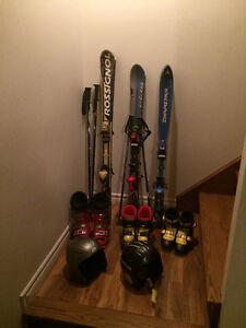 3 ensembles de ski alpin à vendre