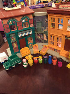 Vintage # 938 Fisher Price Play Family Sesame Street Playset West Island Greater Montréal image 1