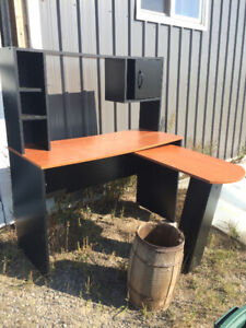 FREE - L shape Desk