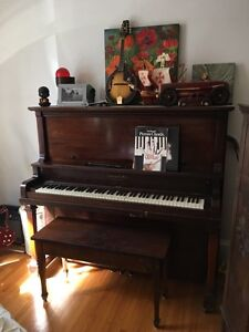 Piano : FREE to a good home