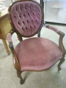 ANTIQUE Beautiful Armchair