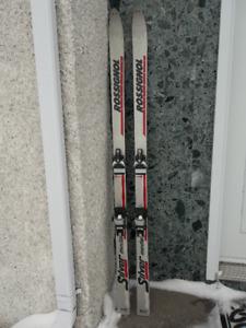 """Skis alpins """"Rossignol"""""""