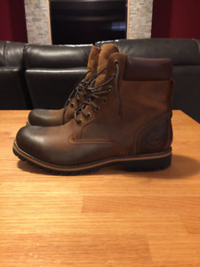 Men's Timberlands size 10.5. Brown. Brand new