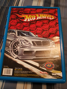 Hot Wheels - 4 cases - 190+ cars