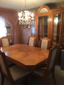 Solid Oak Extendable Dining Room Table with Hutch