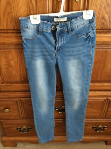 Brooklyn Size M jeggings (fits 12-14 year old girl)