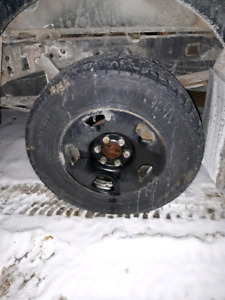 """17"""" F150  6 bolt rims with 265 70R 17 tires"""