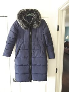 Navy blue color womens winter jacket size small!