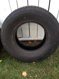2 Tires - LT285/70 R 17