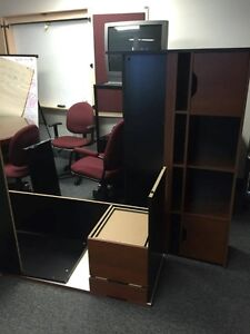 5 ft by 5ft desk- perfect for office or home $100 obo