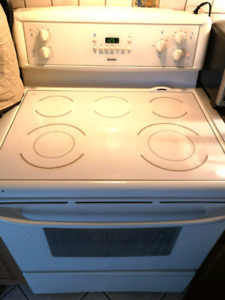 Kenmore Stove - Excellent Condition