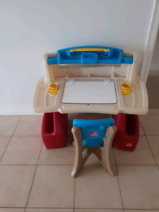 Step 2 Kids Art Desk with Chair