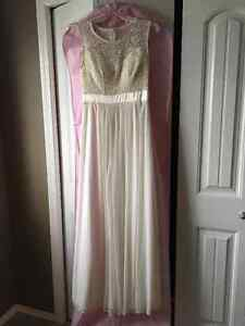 Gorgeous, simple lace top wedding dress (never worn)