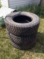 3 Dunlop rover mud tires. 275/70R18