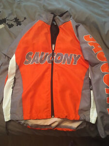 Saucony running jacket size medium.  Cambridge Kitchener Area image 1
