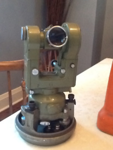 Theodolite Wild T2 Automatic Level Wyteface Scales