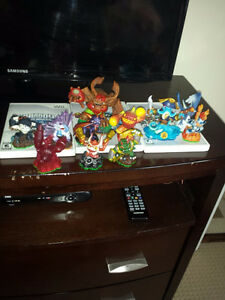 like new skylanders figures and 2 portals wired & wireless Cambridge Kitchener Area image 4