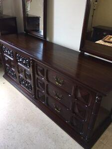 700$ NEGO Set de chambre en bois massif antique 1968 original