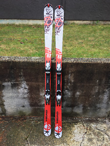 178cm Ski, 29,5/33,9 boots and 135 cm poles.