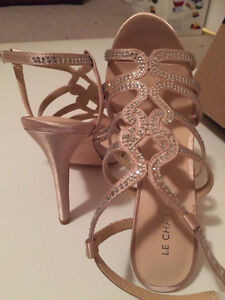 New never worn with original box le chateau shoes Kitchener / Waterloo Kitchener Area image 6