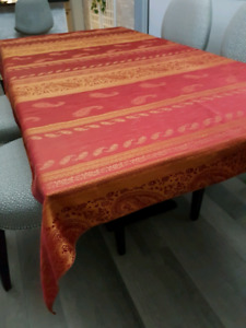 60x84   RED/GOLD   table cloth