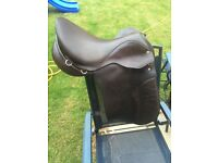 17.5 inch wide West End brown leather working hunter saddle