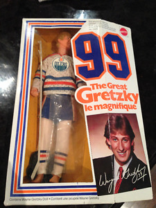 VINTAGE 1983 MATTEL 99 THE GREAT GRETZKY EDMONTON OILERS DOLL