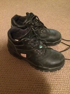 Steel toe safety boots size 7