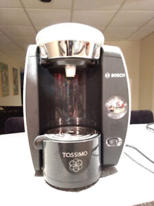 Tassimo Coffee Maker T46 Chrome Edition + new filter
