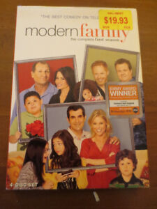 -- DVD Modern Family Season 1 --