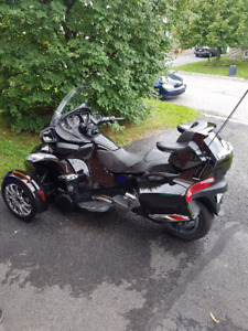 Can Am Spyder RT Limited avec beaucoup d'extras