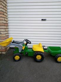 John Deere children's tractor ride on