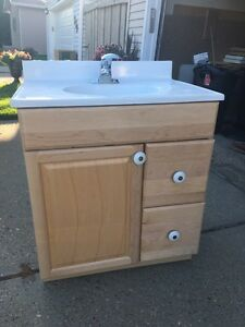 Bathroom vanity w/counter top and faucet