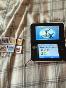 3ds xl colour blue comes with 10 games as shown in pictures.