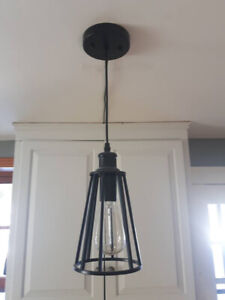 Luminaire Suspendu Noir - Comme Neuf - Maison Non Fumeur