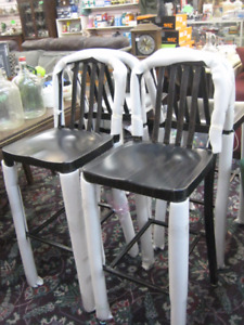 Black-Antique Gold Metal Indoor-Outdoor Bar Stool (s)