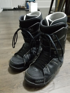 Snowboard Boots - 32 Lashed - Size 11