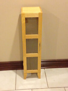 WOOD CD CABINET STORAGE- LIKE NEW (Paid $200) London Ontario image 6