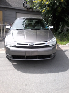 2011 Ford Focus se  (FINANCING AVAILABLE )