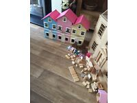 Wanted any dolls house broken parts & furniture