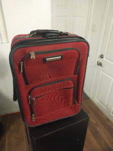 Air Canada Suit case with extendable handle and wheels