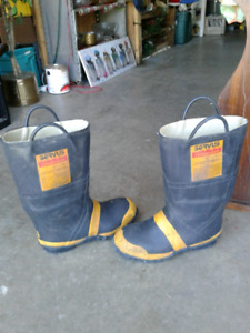 Fire protection steel toe safty boots